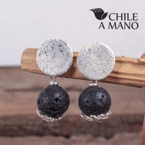 Aros de plata tejida y piedra volcánica